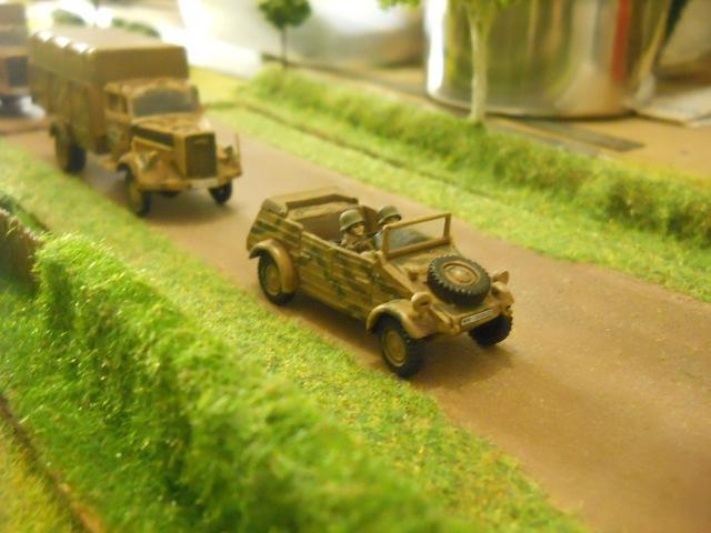 Kubelwagen (Italeri) et Opel Blitz (Heller).