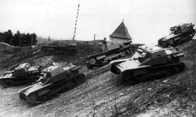 cv-33-tankette-02